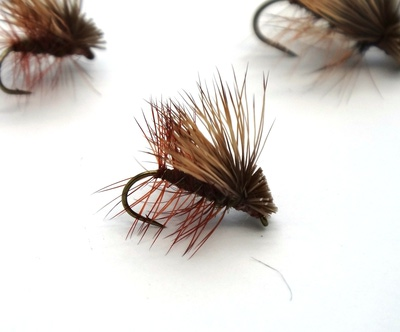 Pacific Fly Group 11122 Сухая мушка Elk Hair Caddis Olive (фото, вид 2)