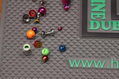 Hareline 70098 Силиконовый коврик Silicone Bead Pad (фото, вид 1)